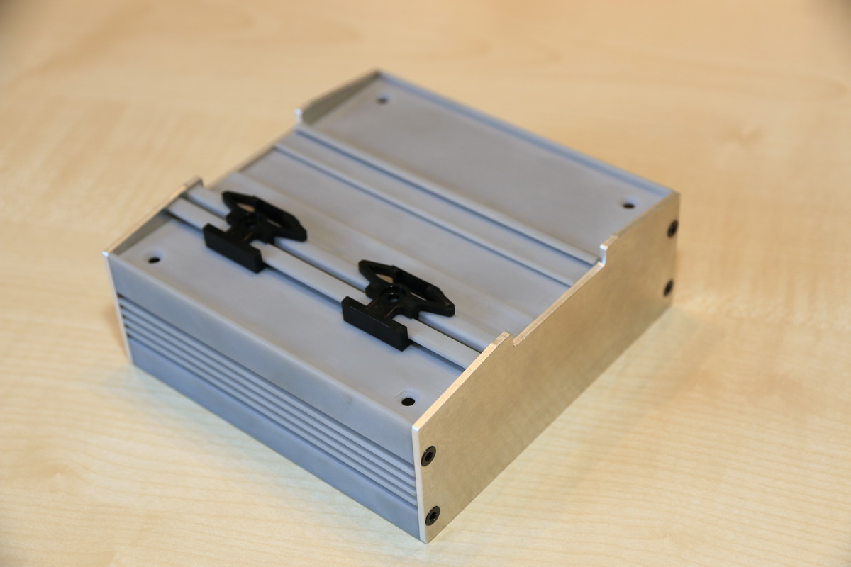 Prototypenbau Stranggussprofil, DIN-Rail-Gehäuseentwicklung